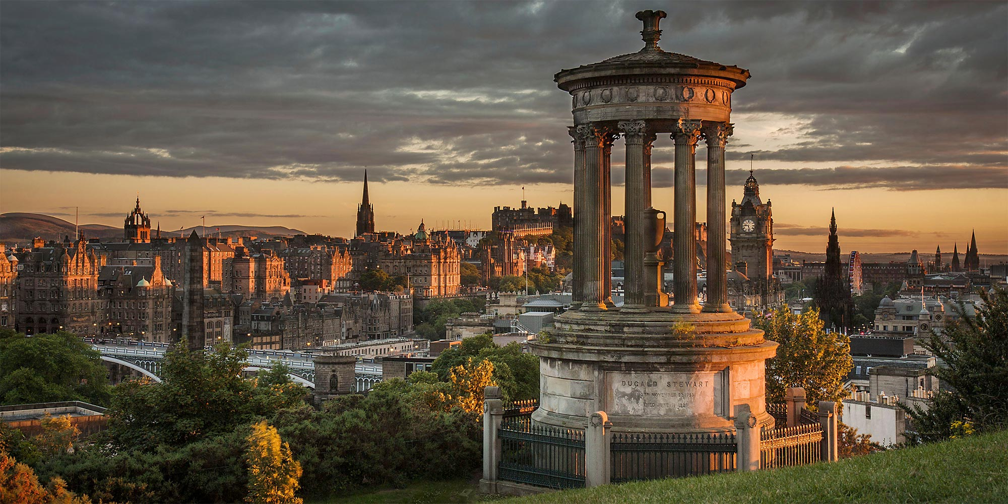 2 Day Edinburgh Tour with Edinburgh Castle & Bus Tour from London