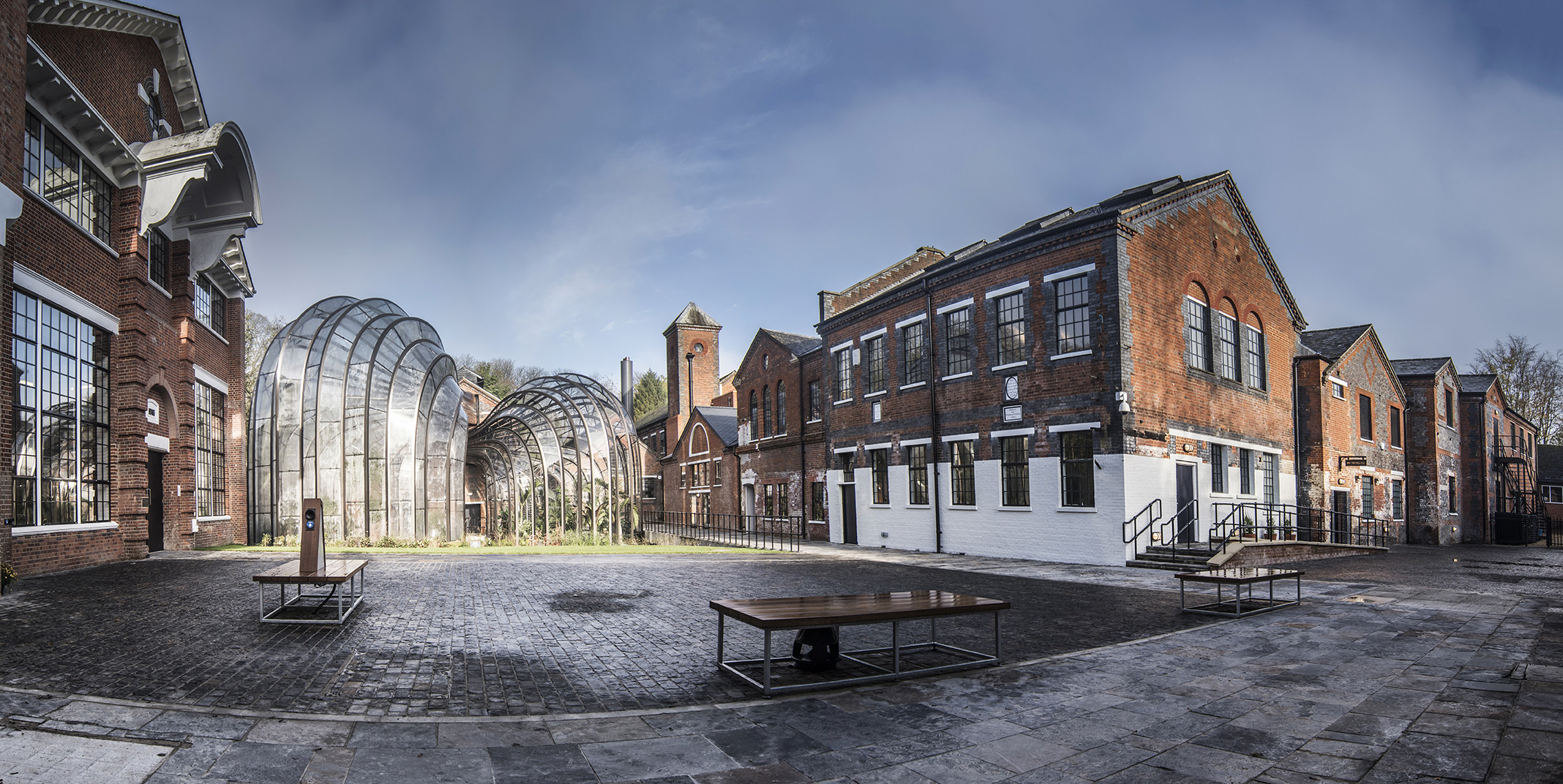 Bombay Sapphire Gin & Winchester Full Day Tour